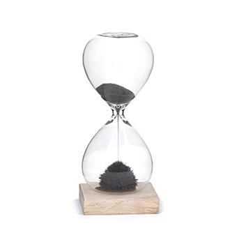 Kikkerland_Magnetic_Hourglass