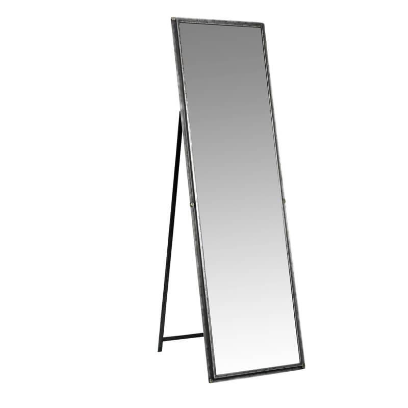 Nordal-Mirror-standing