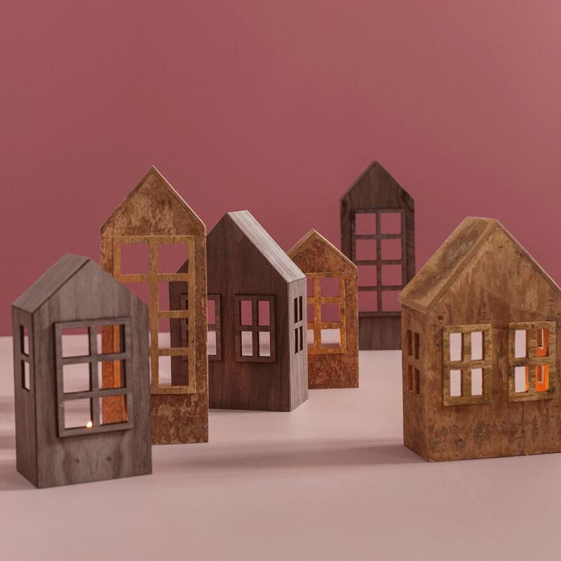 oisoioi-plywood-hus-jul