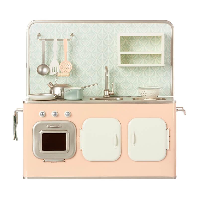 Maileg-mini-kitchen
