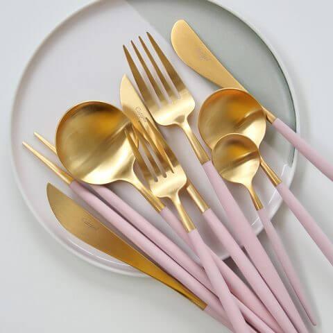 Cutipol-goa-pink-mat-guld-bestik